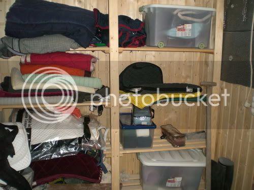 wie ist euer sattel schrank bepackt seite 4. Black Bedroom Furniture Sets. Home Design Ideas