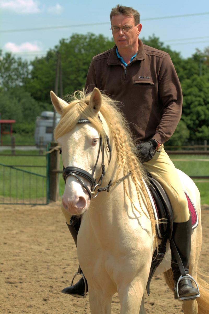 Em Pferd