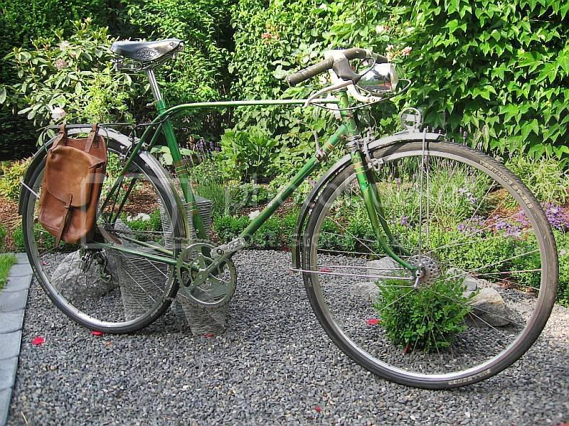 rennrad mit aufrechter position fahrrad. Black Bedroom Furniture Sets. Home Design Ideas